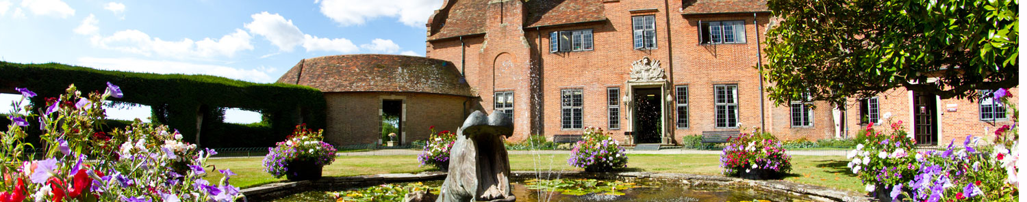 Find accommodation and places to stay in England