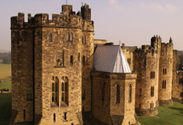 Alnwick Castle - Northumberland 264x168 (c) VisitEngland