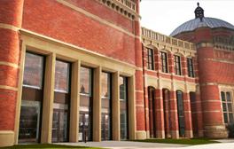 Führen Sie an der Universität von Birmingham Ideen zusammen