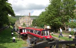 Cruising the Rochdale Canal