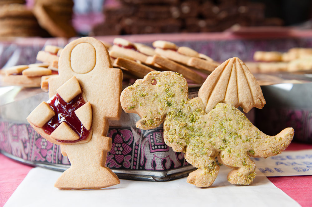 Gingerbread in the shape of St George and the dragon