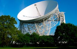 Do a spot of stargazing at the Jodrell Bank Discovery Centre