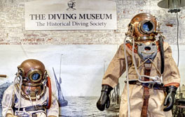 Uncover the history of the deep-sea diver