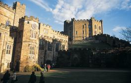 Salas de reuniones medievales en la Universidad de Durham