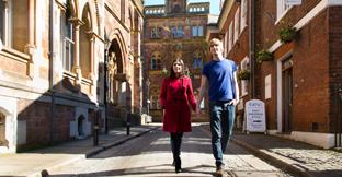 Find budget city breaks in England, UK