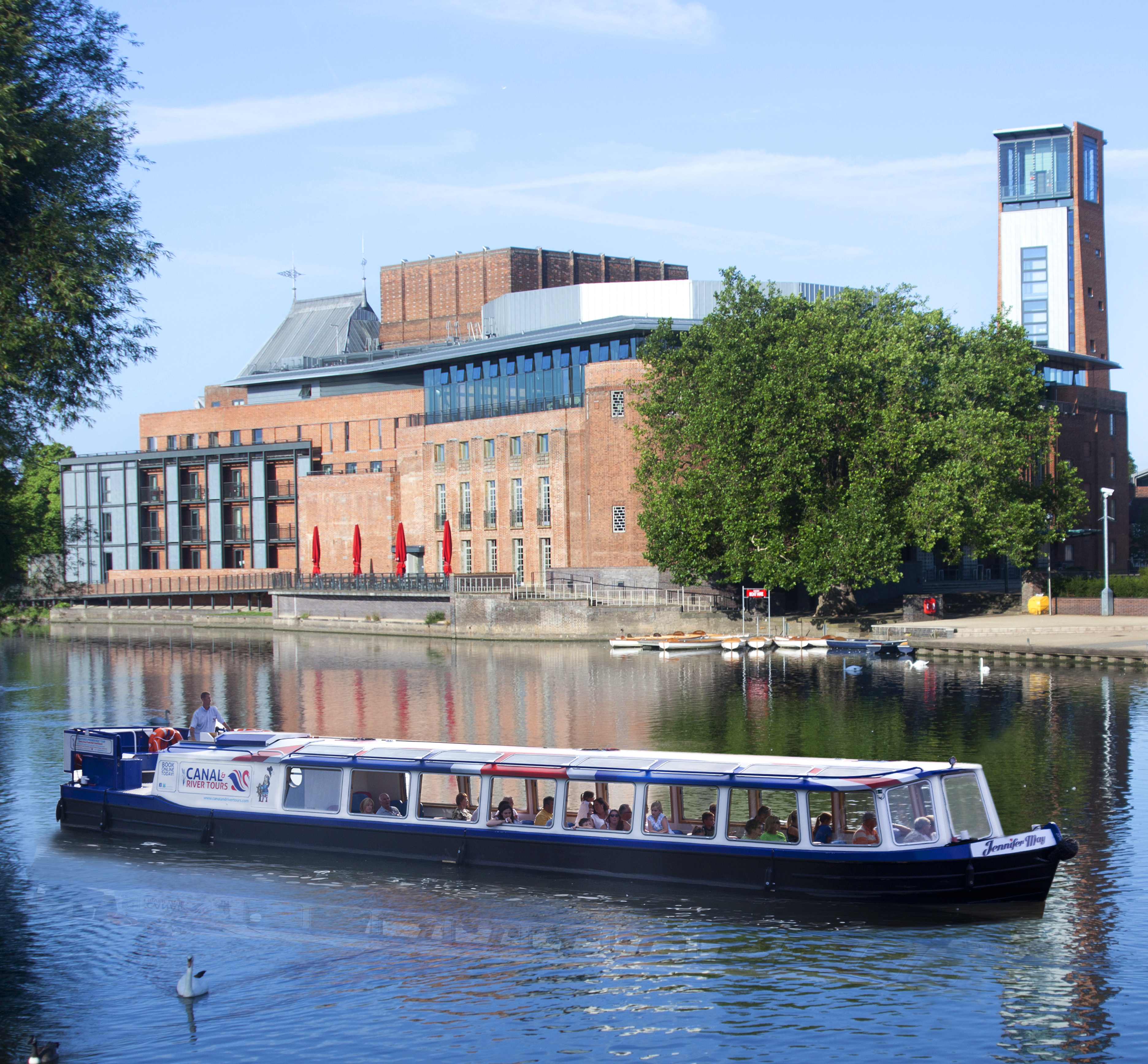 Take a relaxing boat ride along the River Avon