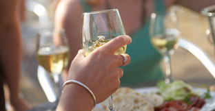 Find wine tasting experiences and breweries in England, UK