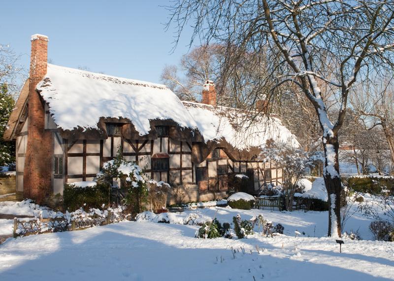 Anne Hathaway's Cottage winter