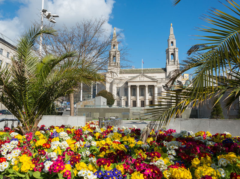 Civic Hall and Nelson Mandela Gardens in Leeds ©VisitEngland/Diana Jarvis