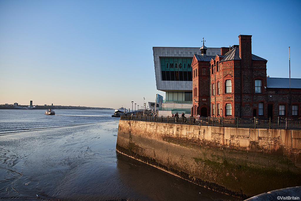 Exterior view of the Museum of Liverpool, Pier Head, Liverpool Waterfront, Merseyside, UK.