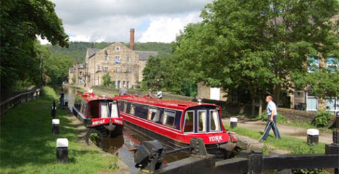 Narrowboat accommodation, Hebden Bridge