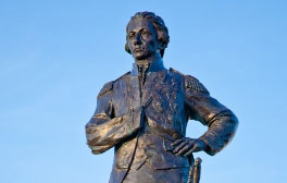 Discover Portsmouth's famous figures by bike