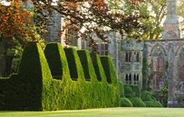 Explore las tradicionales mansiones y jardines ingleses
