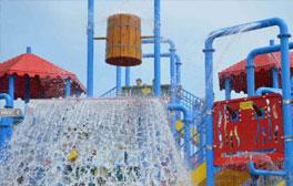 Make a huge splash at Robin Hood's Water Park