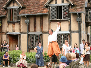 A street performance in Stratford-upon-Avon