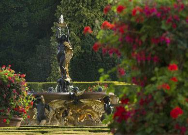 Blenheim Palace, Oxfordshire, Italian Garden (c) Pete Seaward, VisitEngland