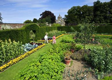 Castle Howard - Yorkshire (c)Mike Kipling, Welcome to Yorkshire, vegetable garden (2) 389X280