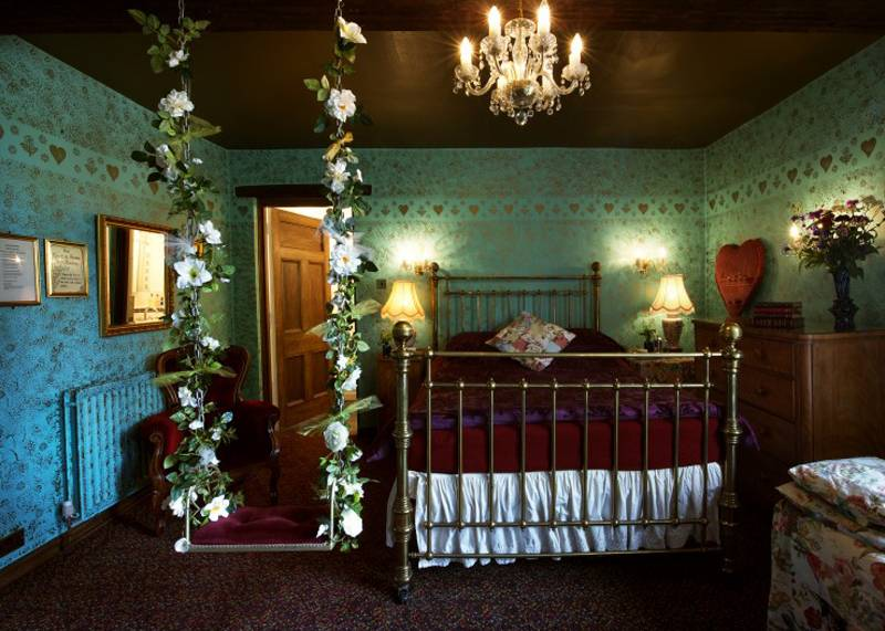 Bedroom swing at the Hundred House Hotel, Shropshire
