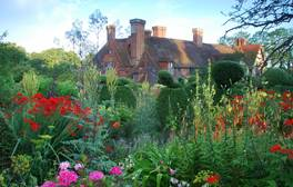 Great Dixter - East Sussex Peacock garden (c) VisitEngland