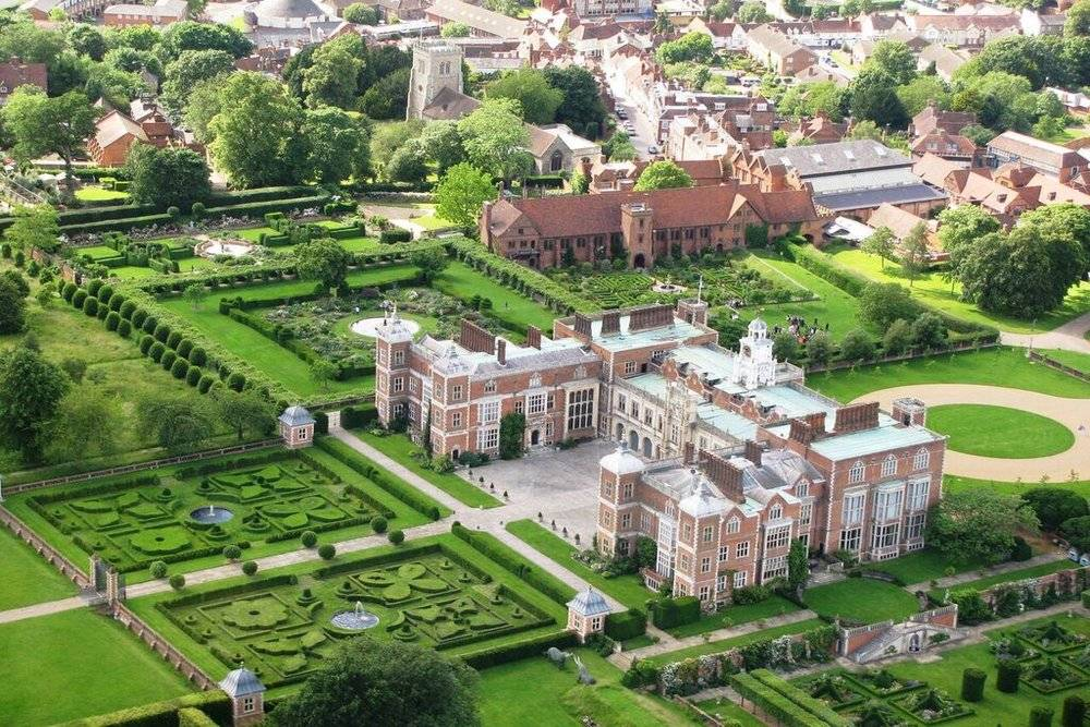Hatfield House and Gardens