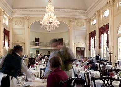 Restaurant in Pump Room - at Roman Baths in Bath (c) VisitEngland VE12030