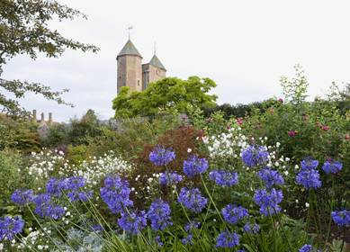 Jardins ch teaux et canterbury visitengland for Kent gardens elementary school