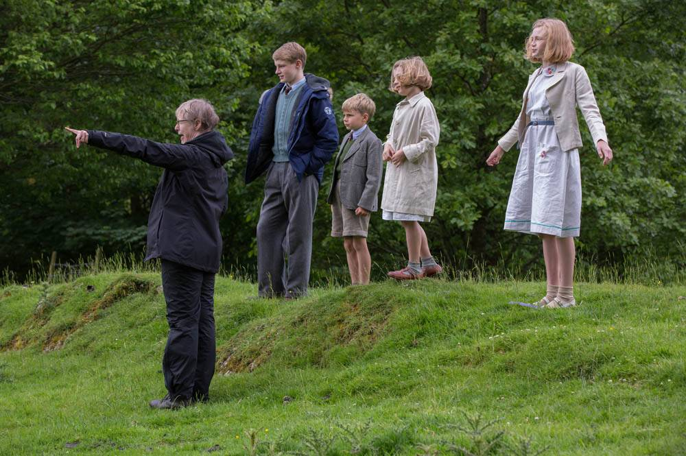 Directing the cast of Swallows and Amazons