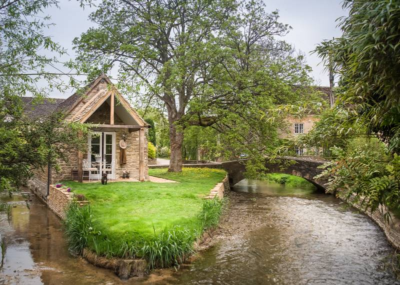 Filly Island, Cirencester, Gloucestershire