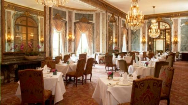 The dining room at Luton Hoo