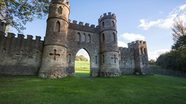 Sham Castle (not National Trust) - 18th century folly created by Ralph Allen