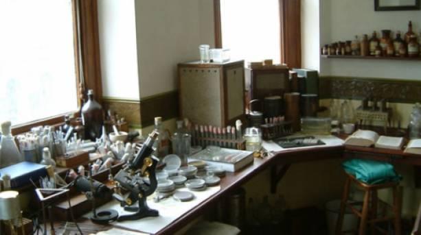 Inside Fleming's Laboratory in London