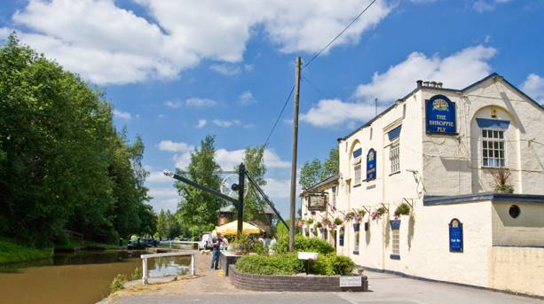 The Shroppie Fly pub at Audlem Wharf