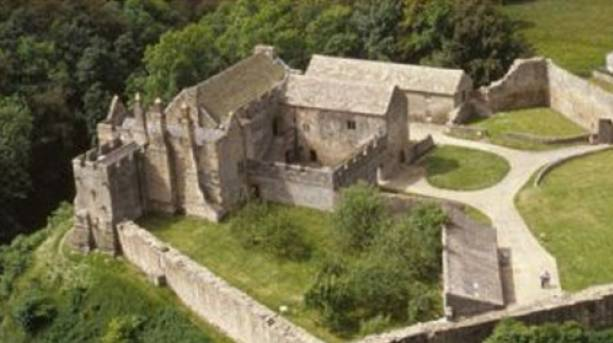 Discover a secluded fortified manor house at aydon castle for Fortified house plans