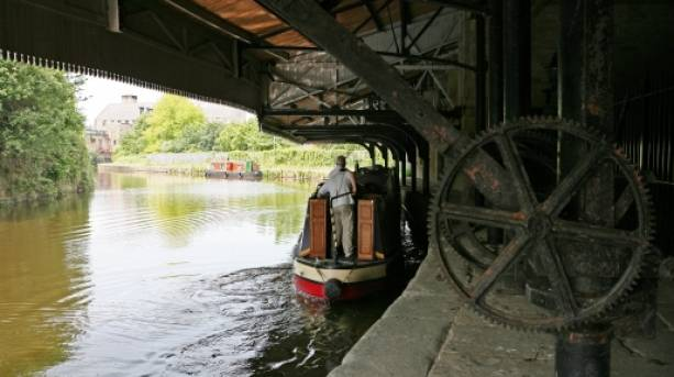 Canal Boat Cruises in Burnley, Lancashire