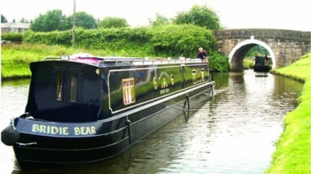 Romantic canal boat cruises in Lancashire | VisitEngland