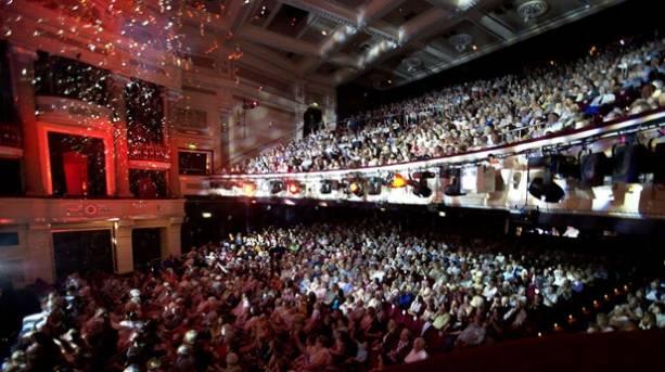 Hippodrome Audience