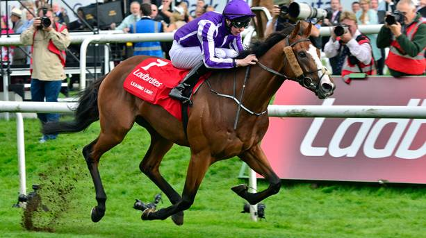 The thrilling finish to the St Leger at Doncaster Racecourse