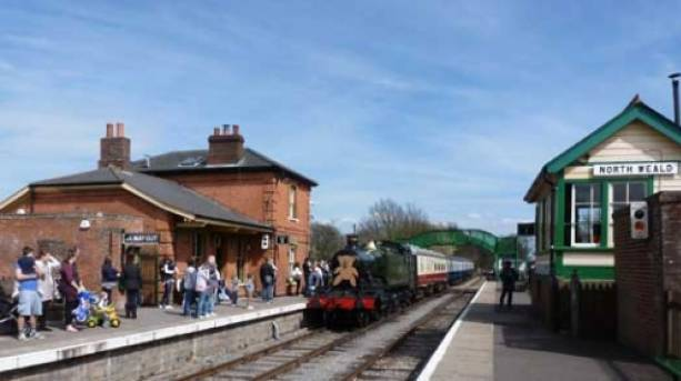 GWR Tank Number 4141 pulls into North Weald station