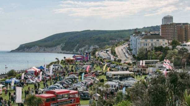 Magnificent Motors vintage event on the seafront