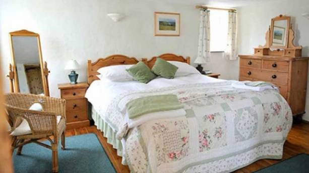 A bedroom at Pollaughan Cottages in Cornwall