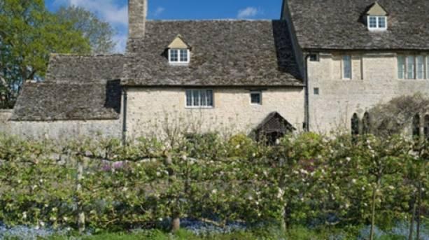 Cogges Manor Farm and Garden