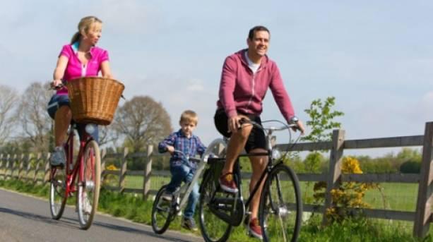Family cycling along the exe estuary trail