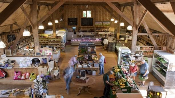 Farmers' market and restaurant selling local produce, crafts and delights
