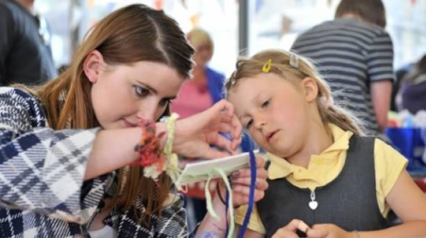 Weaving at Holmfirth Art Week