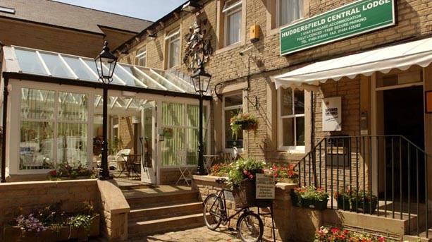 Huddersfield Central Lodge Hotel