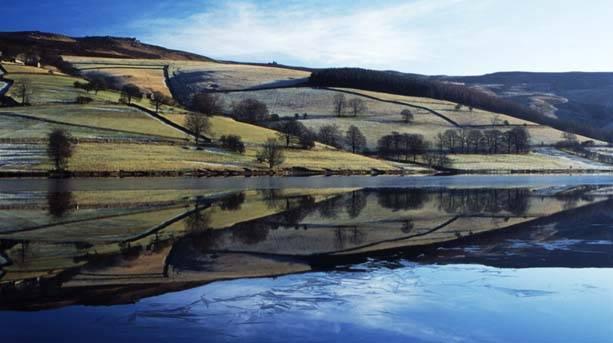 Icy morning at Ladybower reservoir