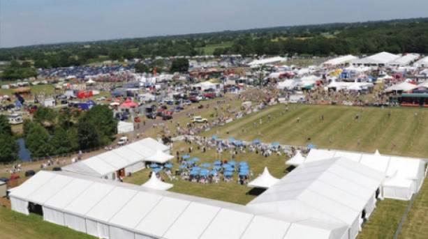 The Cheshire Show, Cheshire
