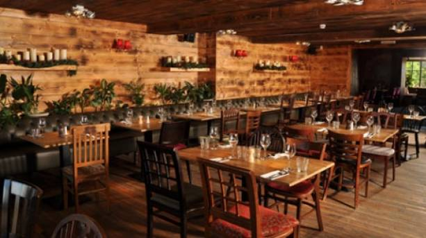 Gastro dining at The Joiners Arms