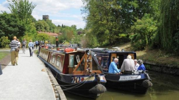 Two boats in Droitwich Spa on the Mid Worcestershire