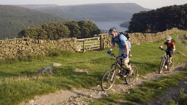 Mountain bikers near the Derwent Reservoir